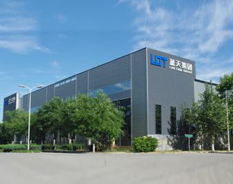 蓝天板业彩钢厂房做模特 引来爱慕获得大订单
